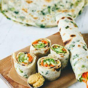Плато арабска питка със зеленчуци(морков,краставица,зелена салата) -20бр. цена 28,00лв.