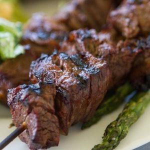 Шишчета със свинско месо и зеленчуци -1кг. цена 42,00лв.